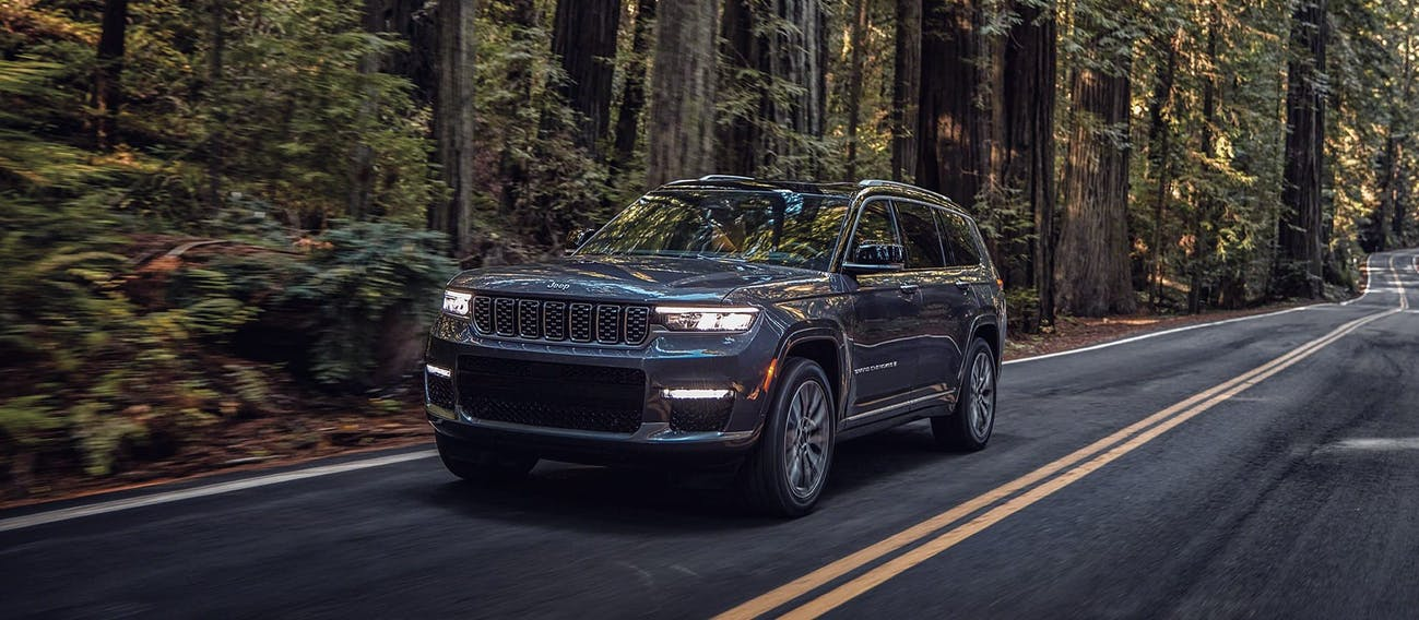 Jeep Grand Cherokee L 2021 en México en carretera