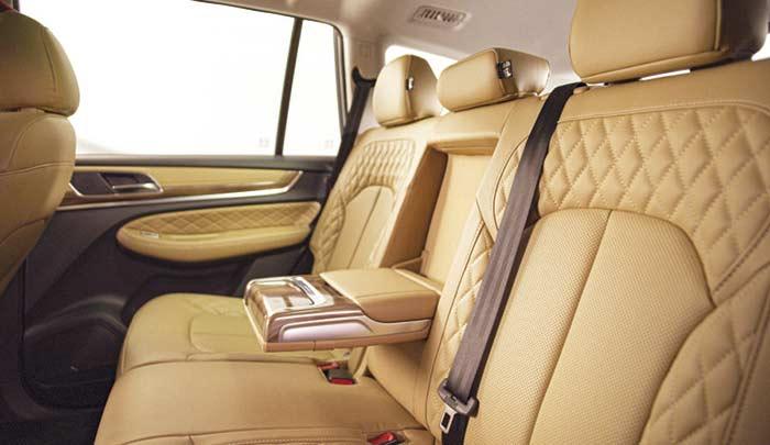 MG RX-8 2022 en México edición limitada de aniversario - asientos tres filas