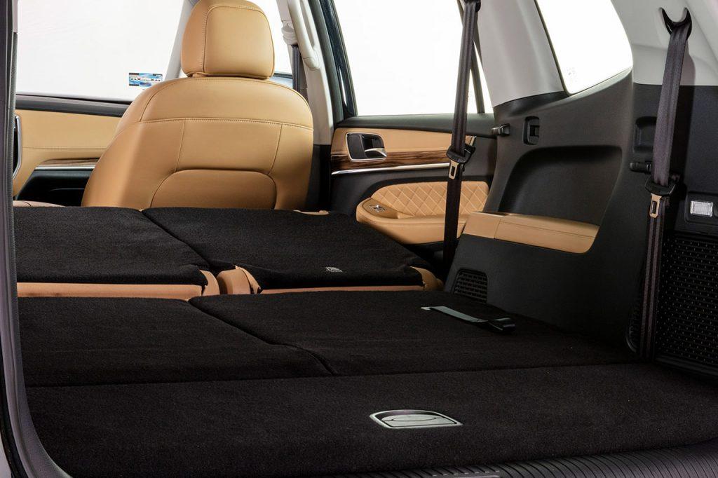 MG RX-8 2022 en México edición limitada de aniversario - asientos traseros abatibles