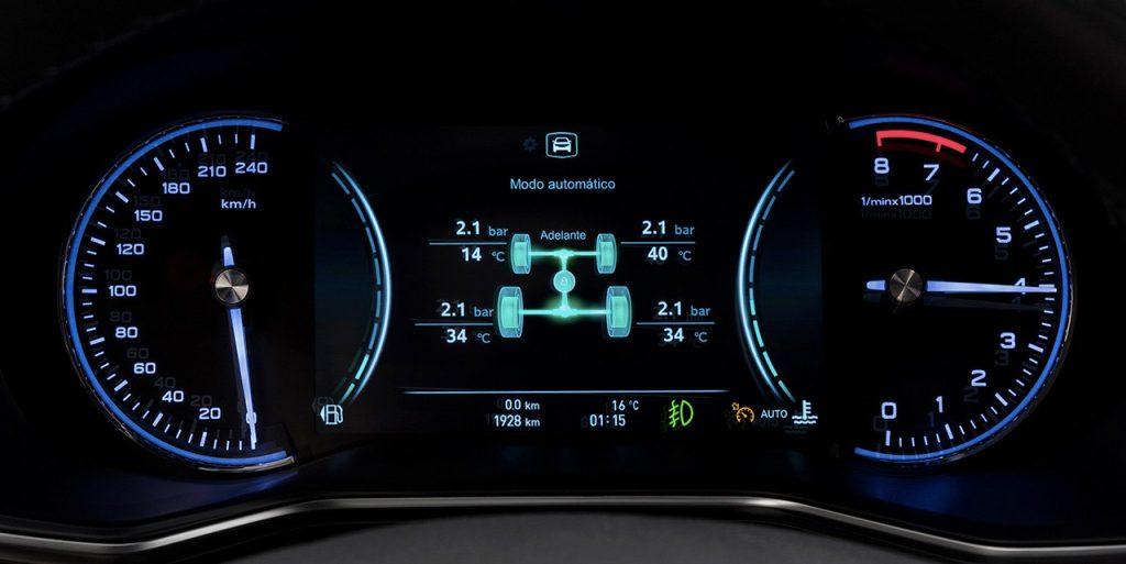 MG RX-8 2022 en México edición limitada de aniversario - interior clúster de información pantalla