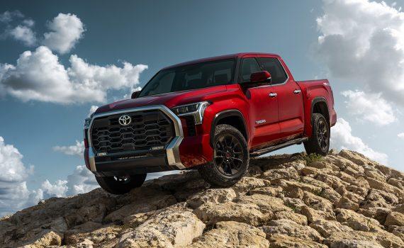 Toyota Tundra 2022 color rojo