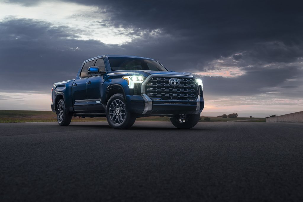 Toyota Tundra 2022 color azul
