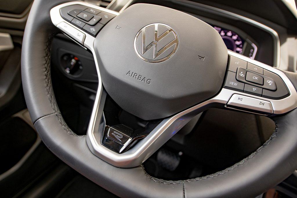 Volkswagen Tiguan 2022 en México - interior volante