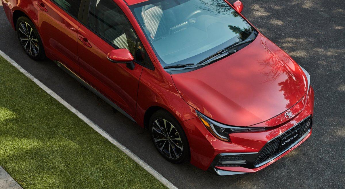 Toyota Corolla 2022 en México diseño exterior parte frontal toma aérea