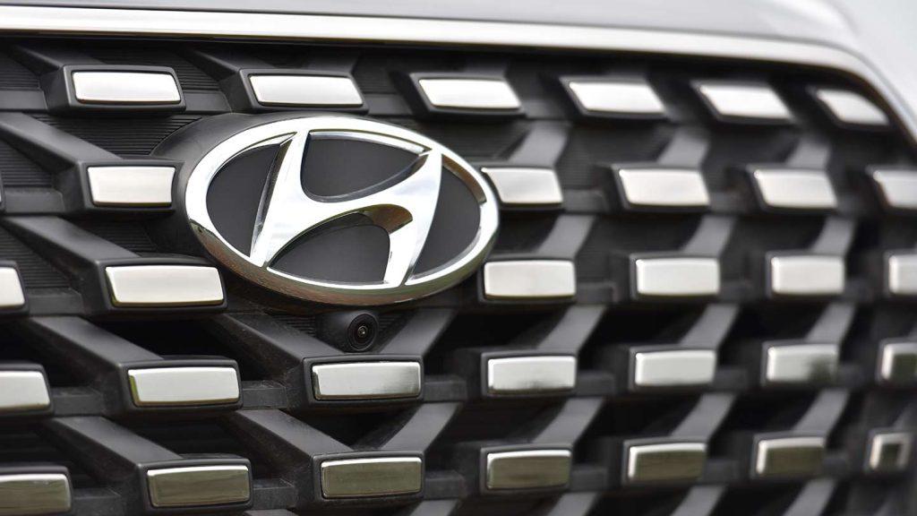 Hyundai Creta Grand 2022 en México parrilla con detalles en cromo